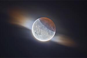 6 Eclipse Lunar con Nubes